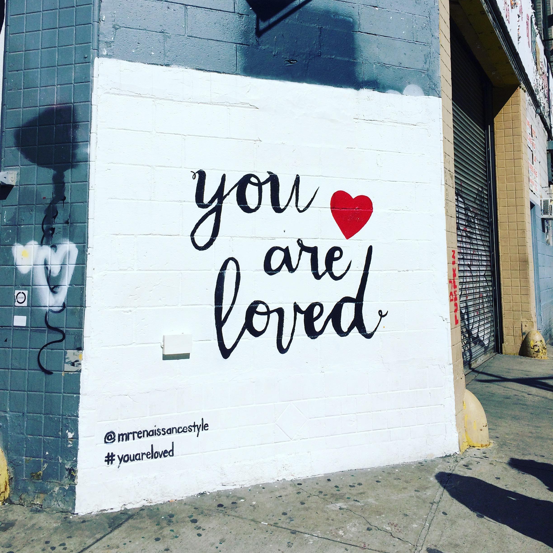 Me kaikki. Silti rakkauden täytyy lähteä itsestä.