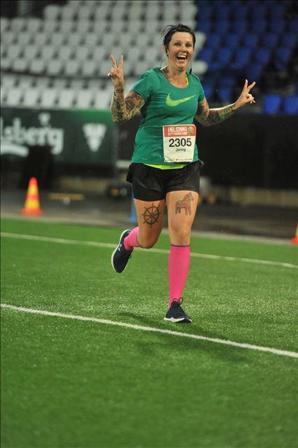 Maraton helteessä ja myrskyssä – Never stop running