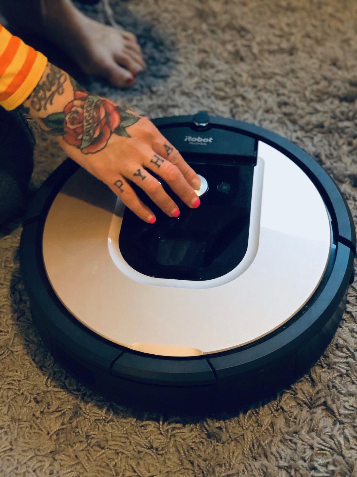 iRobotin Roomba tuli taloon – imurointi sujuu nappia painamalla